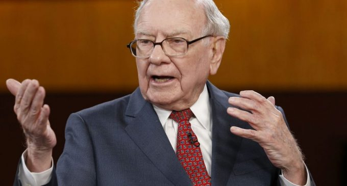 Warren Buffett Still Not Impressed with Bitcoin
